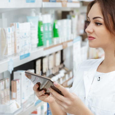 9 Excellent Reasons to Become a Pharmacy Tech