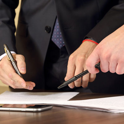 Hiring a Business Lawyer? Here are 5 Tips to Keep in Mind Before Doing So
