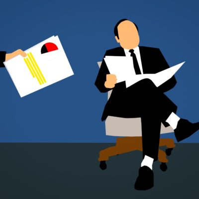 5 Essential Items to Put in a New Hire Packet