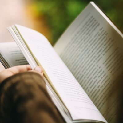 3 Best Digital Marketing Books Your Moving Company Needs to Read